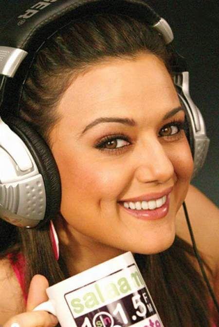 Preity Zinta... Cute dimples ;)