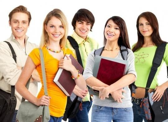 """Подработка студентам Требования: - Знание ПК, офисные программы, работа в форматах doc, xls, psd; - Активность, стрессоустойчивость, коммуникабельность, инициативность, приятная внешность; Условия: - Комфортабельный офис; - Дружелюбный коллектив; - Высокий доход; - Карьерный рост; - Официальное трудоустройство. - Гибкий график. Обязанности: - Административная работа; - Ответ на входящие звонки; - Заполнение """"мелких"""" документов; - Составление отчетов для руководителя; - Внесение данных на пк;"""