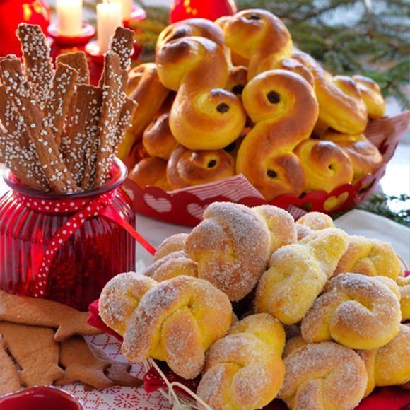Lussebullar, saffranssnurror, sockerkringlor, klassiska pepparkakor och pepparkakssticks – ja, då var det äntligen dags!
