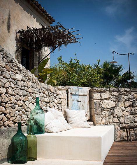 Unique Sicilian Homes, Traditional Italian Decorating Style