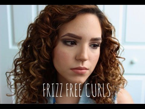 How to smooth frizzy curls