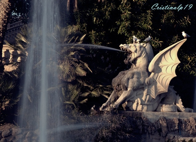 Parc de la Ciutadella #Barcelona #Spain #Espana #Dragon #Water #Agua