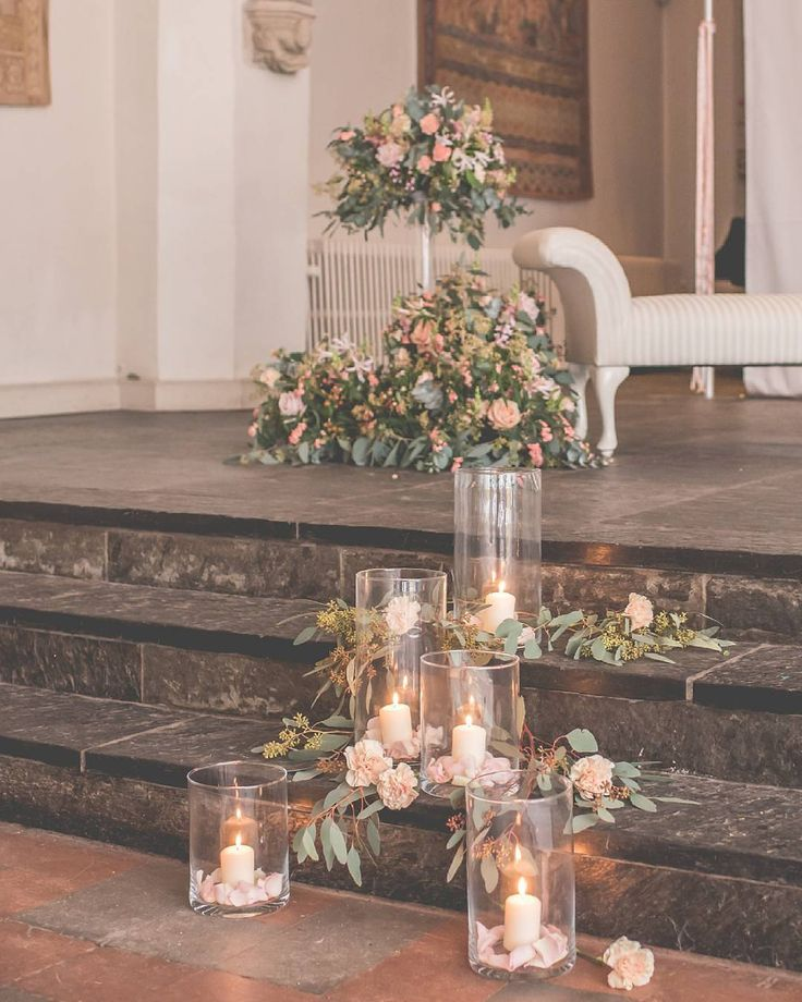 Combining both floral and candles on the stairway or steps could bring an enchanting and romantic nuance to your wedding
