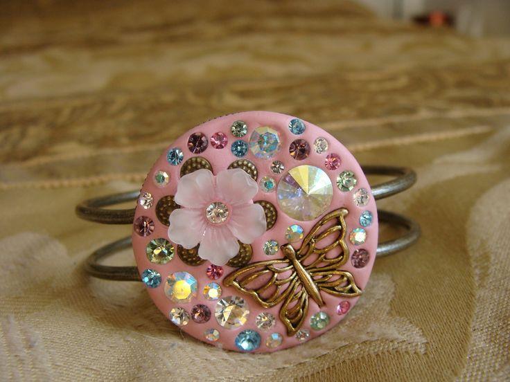 A VERY pretty and sparkly bracelet made with crystal clay, swarovski and Czech preciosa crystals. Purchase here: http://www.bonanza.com/listings/Daydream-crystal-clay-bracelet/90200143