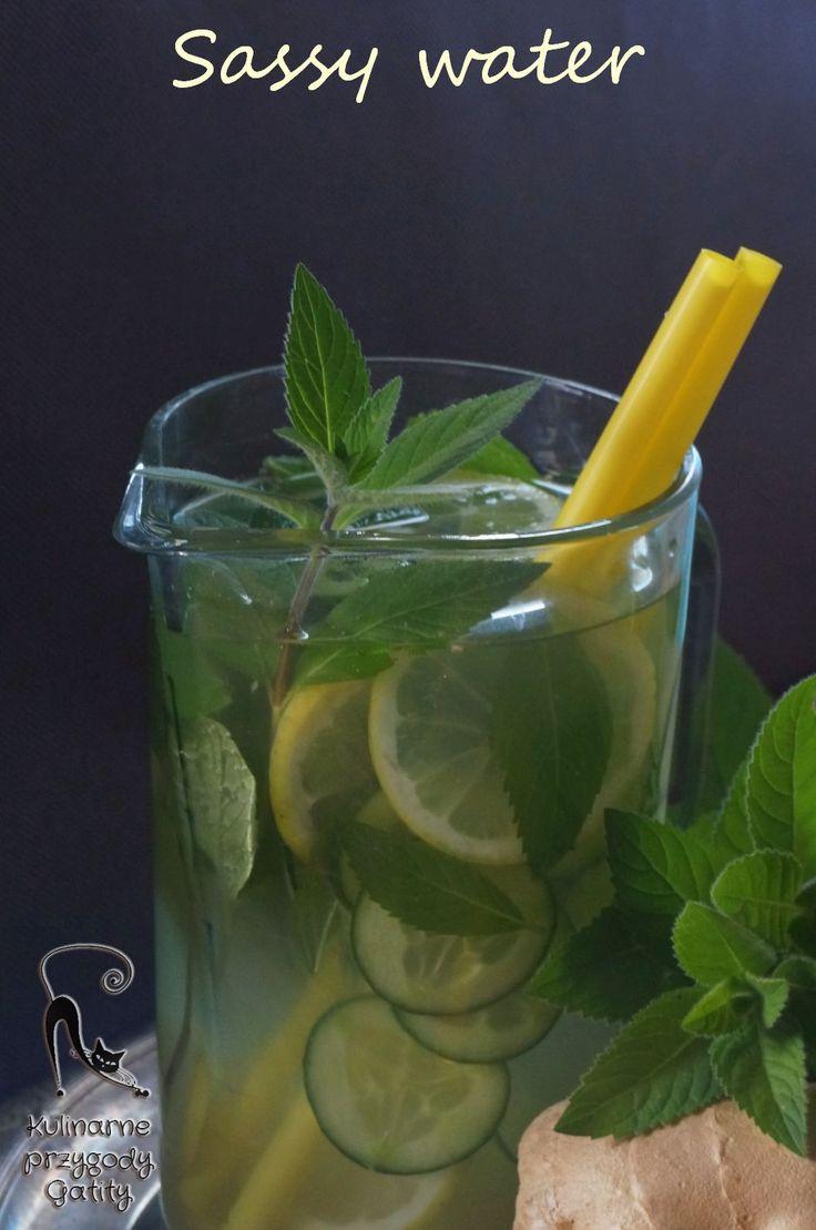 Kulinarne przygody Gatity: Pij i chudnij, czyli Sassy water
