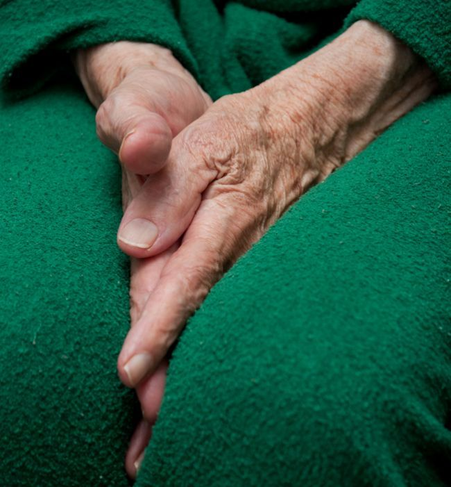 Bolesti kĺbov: Čo môžu signalizovať a ako ich uvoľniť?