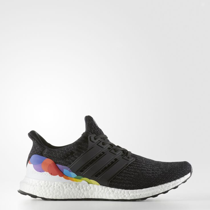 Get a super-charged ride, and give a shout-out to the LGBTQ community. These men's running shoes are built with energy-returning boost™ for a light ride. The adidas Primeknit upper hugs your foot in comfort, and a supportive cage secures a lockdown fit. The gridlike outsole flexes to adapt to your groundstrike.