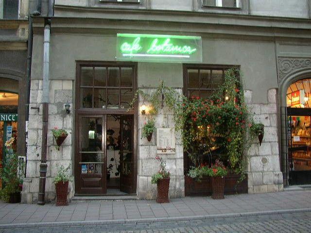 Cafe Botanica zapewnia miły i przyjemny wypoczynek po męczącym dniu spędzonym na zwiedzaniu Krakowa lub okazją do przerwy w zajęciach. http://krakowforfun.com/pl/10/puby/cafe-botanica