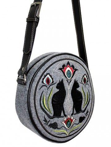 Okrągła torebka z filcu z haftowanym wzorem