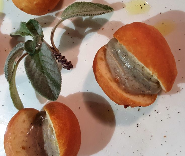 Tuscan Bomboloncini with sizzling Tartufo and sage sauce #fingerfood #guidilenci all rights reserved www.guidilenci.com