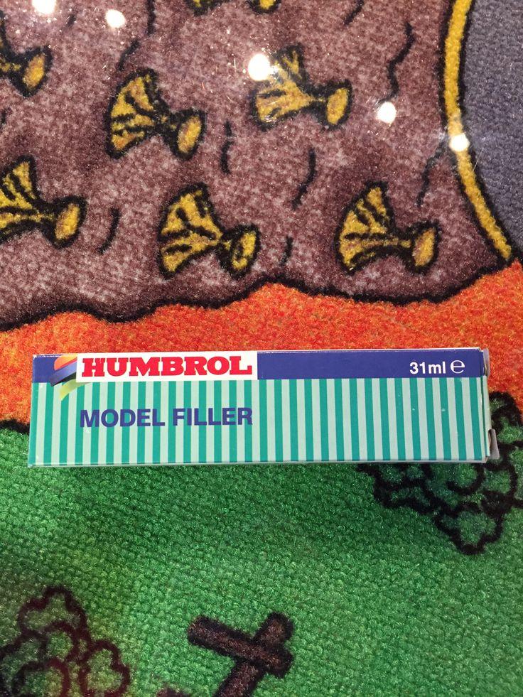 Humbrol Model Filler 31 ml pour modèle à coller, 7.49$. Disponible dans la boutique St-Sauveur (Laurentides) Boîte à Surprises, ou en ligne sur www.laboiteasurprisesdenicolas.ca sur notre catalogue de jouets en ligne, Livraison possible dans tout le Québec($) 450-240-0007 info@laboiteasurprisesdenicolas.ca