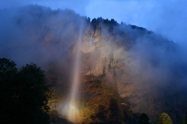シュタウプバッハの滝(スイス)