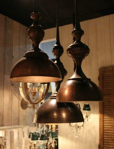 Grote hanglampen in verschillende afmetingen met koperen look - Large copper looking hanging lamps in different sizes - #WoonTheater