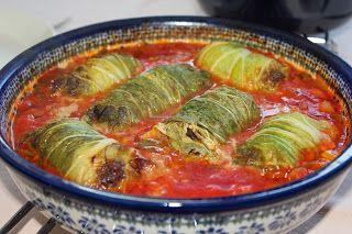 Koolrolletjes in tomatensaus