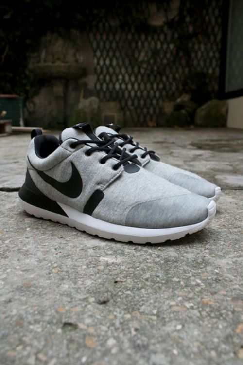 Nike Roshe Run NM: Grey