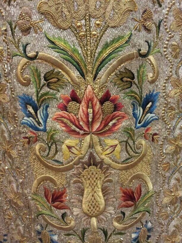 Late-Ottoman embroidery in 'Turkish Baroque'-style.  Silk threads and goldwork.  19th century.