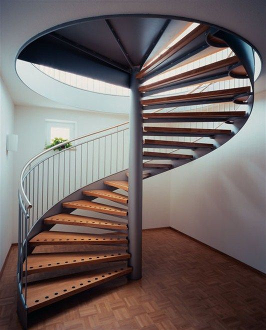 Винтовая лестница на каркасе