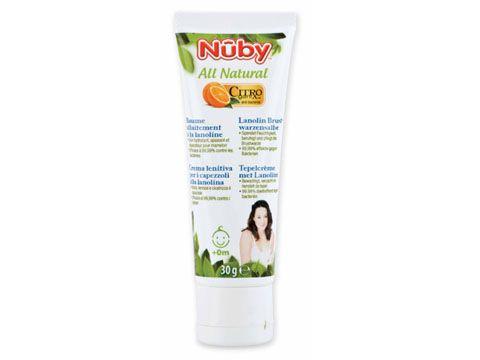 La crema lenitiva per i capezzoli Nûby™ Citroganix™ e' stata formulata sia per la mamma che per il bambino. La lanolina Ultramedicale con la sua alta capacita' idratante forma una barriera protettiva che favorisce la guarigione delle ragadi. Grazie al Citroganix™ (Arancia Murcia), la crema lenitiva per i capezzoli di Nûby™ allevia i capezzoli irritati ed e' efficace al  99,99% contro i batteri, aiutando cosi' la cicatrizzazione del capezzolo piu' in fretta.