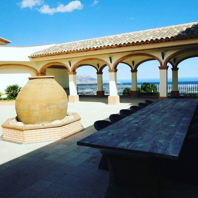 - Fantastica villa en #venta  en la zona de #guadalest en #Alicante . - Dispone de 10 habitaciones, 10 Baños y una superfície de 1300 M2. - Mas información: https://www.1001portales.com/inmueble/130556 #valencia #spain #inmobiliaria #inmueble #españa #venta #inmuebles #chalet #lujo #multipublicacion #realestate #house #luxury #properties #interior #property #propertyforrent #propertiesforsale #propiedades #propiedadenventa #propiedadesespaña #interiorismo #alquileres #piscina #sun #design…
