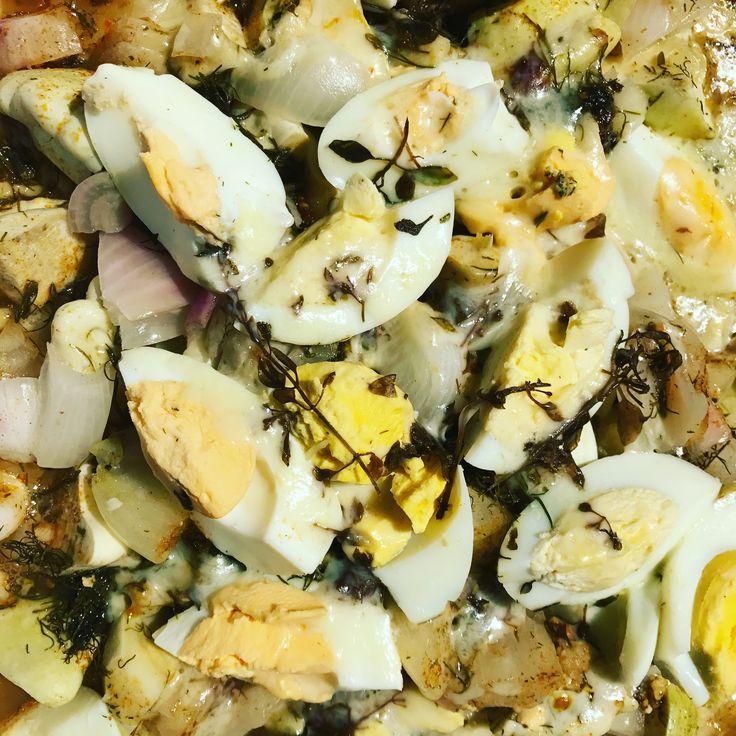 Rakott patiszon hagymával tojással sajttal átsütve gyömbérrel kaporral vörös bazsakikummal kakaó vajjal fokhagymával fűszerezve.