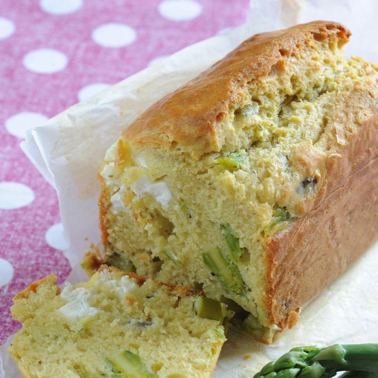 Cake aux asperges vertes et au chèvre