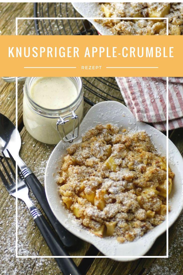 Knuspriger Apple-Crumble mit leckeren Cantuccini-Streuseln und Mascarpone-Sauce - das einfache und leckere Rezept für Euch auf dem Blog #soulfood #Applecrumble #Äpfel #lecker #Herbst