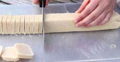 Θα γλείφετε και τα δάχτυλά σας: Πανεύκολα Μπισκότα Βουτύρου με ΜΟΝΟ 3 Υλικά έτοιμα σε 30 Λεπτά!