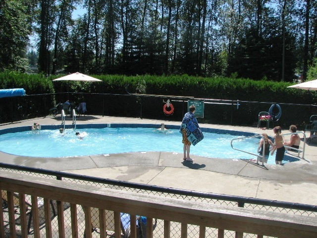 Fort Camping pool