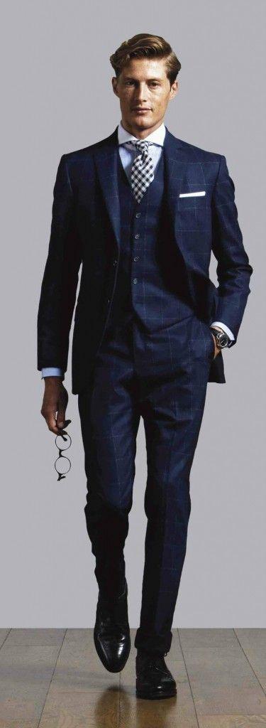 ネイビーボックスチェックのスーツ着こなし