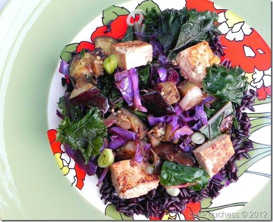 Kale and Black Rice Stir-Fry for #greenslove :) #vegan #vegetarian via ...