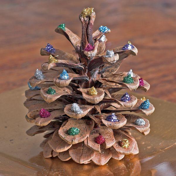 Kieferzapfen-Christbaum für die Adventszeit basteln - DIY - Bastelideen
