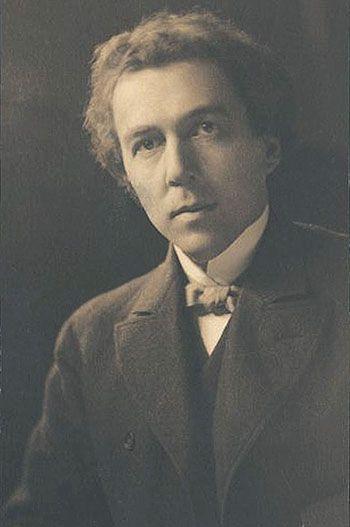 Frank Lloyd Wright at 28