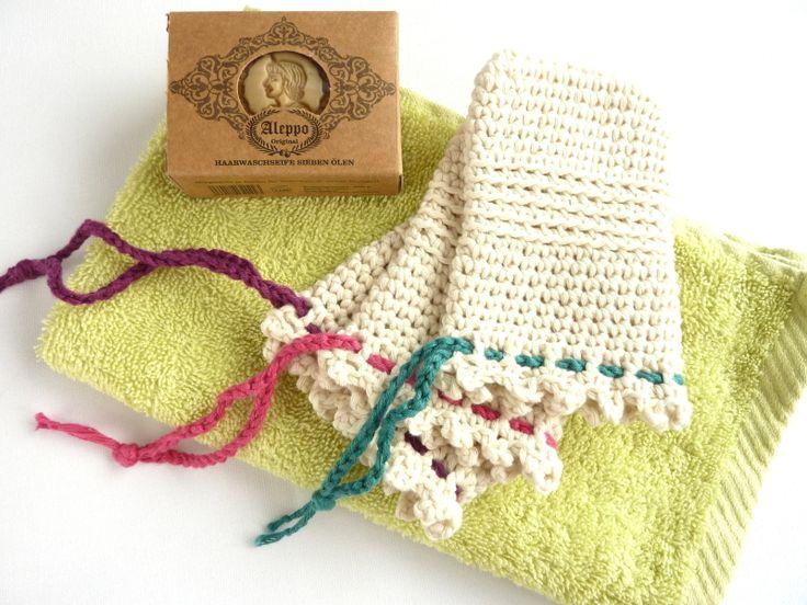 Ein Seifensäckchen ist unterwegs für alle, die Plastik vermeiden möchten, ein hilfreiches Utensil. Hält die Seife trocken, den Waschbeutel sauber, waschbar.