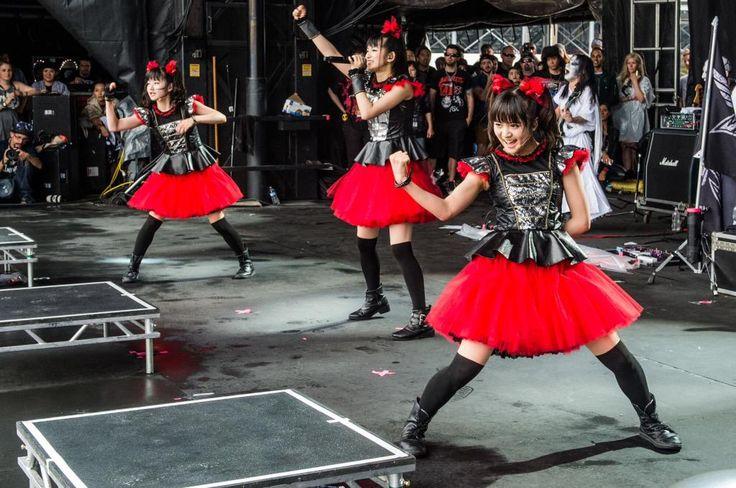 BABYMETAL WORLD TOUR 2015 || Rock on the Range 2015