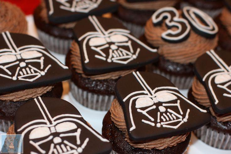 Darth Vader Star Wars cupcakes