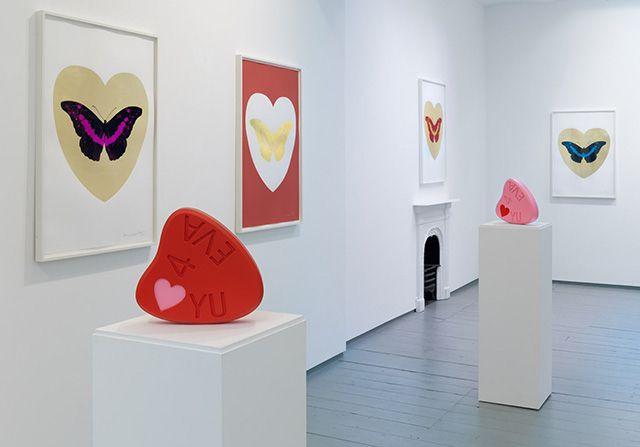 Дэмиен Херст открыл выставку о любви
