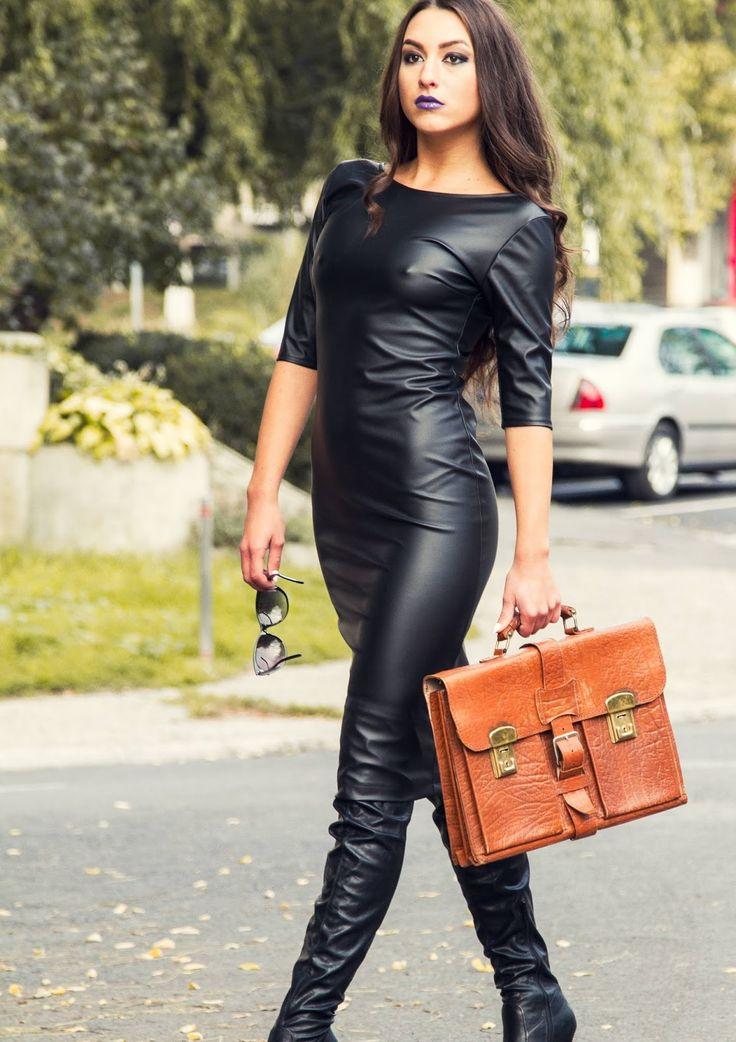 Женщины в кожаных одежде фото