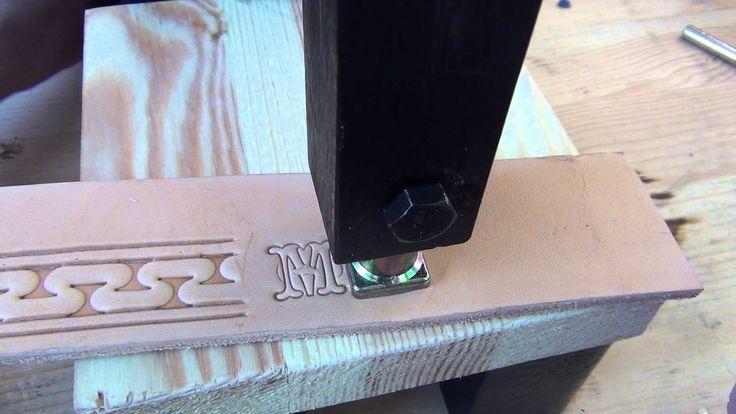 Реечный пресс (arbor press) в кожевенном ремесле.