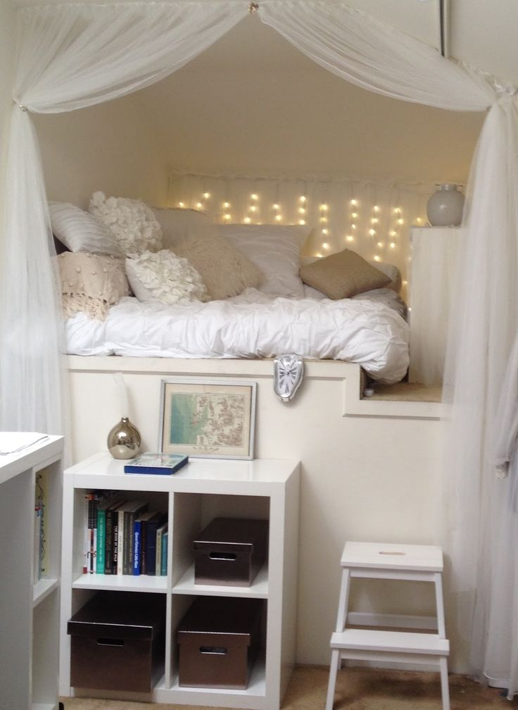 Gail Carriger's reading nook