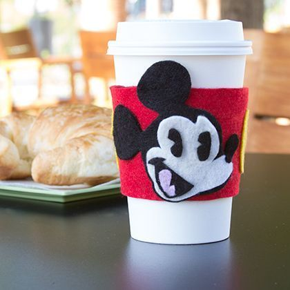 Mickey Mouse Felt Drink Sleeve (Minnie version too).  Free template to download.