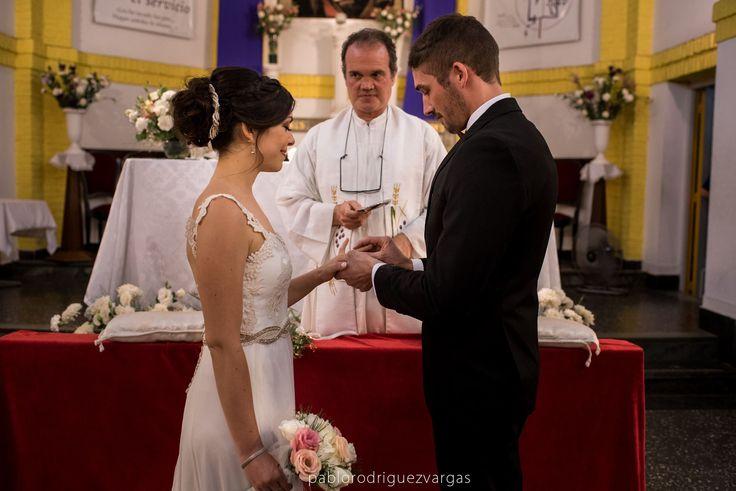 Estefi by Las Demiero: www.lasdemiero.com  https://www.facebook.com/demiero  #lasdemiero #novias #bodas #vestidodenovia