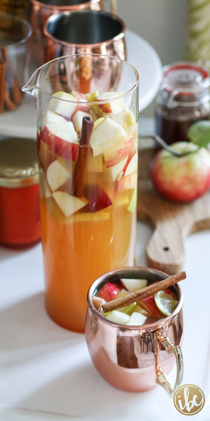 Apple Pie Sangria - delicious and flavorful fall cocktail recipe via inspiredbycharm.com