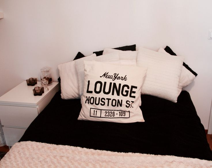 Bedroom, pillows, black and white, ikea