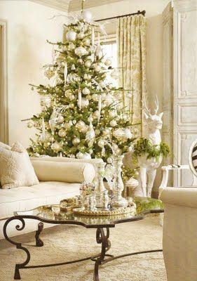 White and silver Christmas tree.: Christmasdecor, Decor Ideas, Silver Christmas, Living Rooms, White Christmas, Holidays Decor, Christmas Decor, Gold Christmas, Christmas Trees