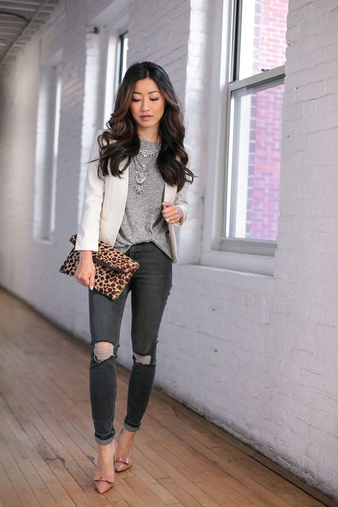 casual friday outfit // jeans + tee + blazer by extra petite blog