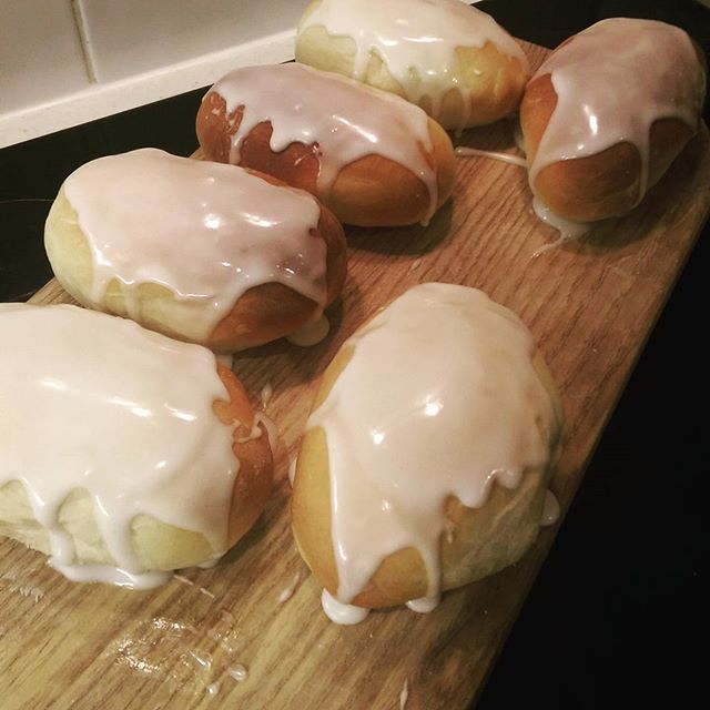this was my first time trying out these iced buns and i have to say i was thoroughly impressed i used paul hollywood s iced finger recipe b