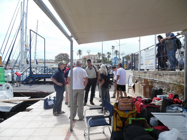 Lavrion base 2/5/2015 ...sunny day, strong team, more than 50 happy sailors-guests! It was nice to meet them!