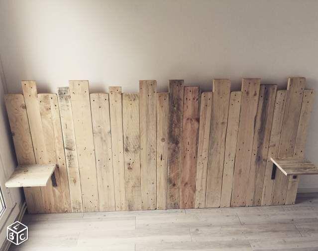 Beds in pallets: Loft style headboard