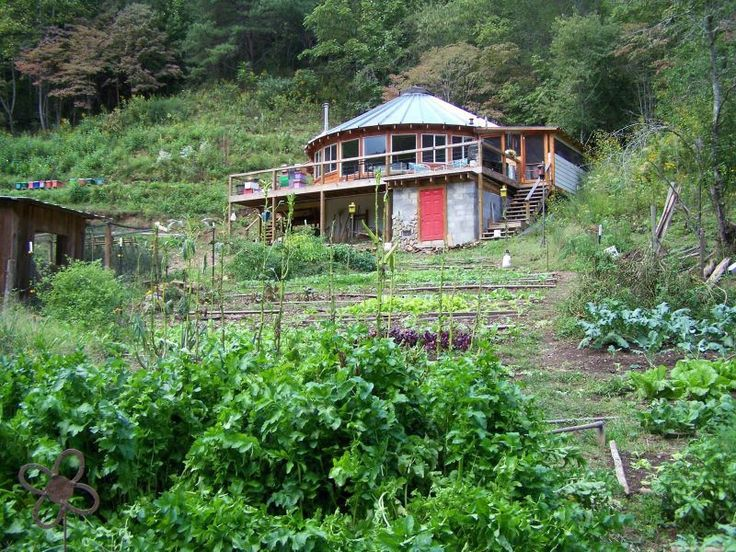 Yurt with a porchForests, Nature, Living Spaces, Green Gardens, Homesteads, Dreams Green Farmhouse, Yurts Living, Basements, Round House