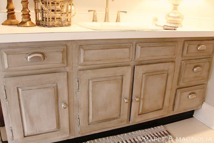 Paint table furniture in annie sloan chalk paint paris - Painting bathroom cabinets black ...